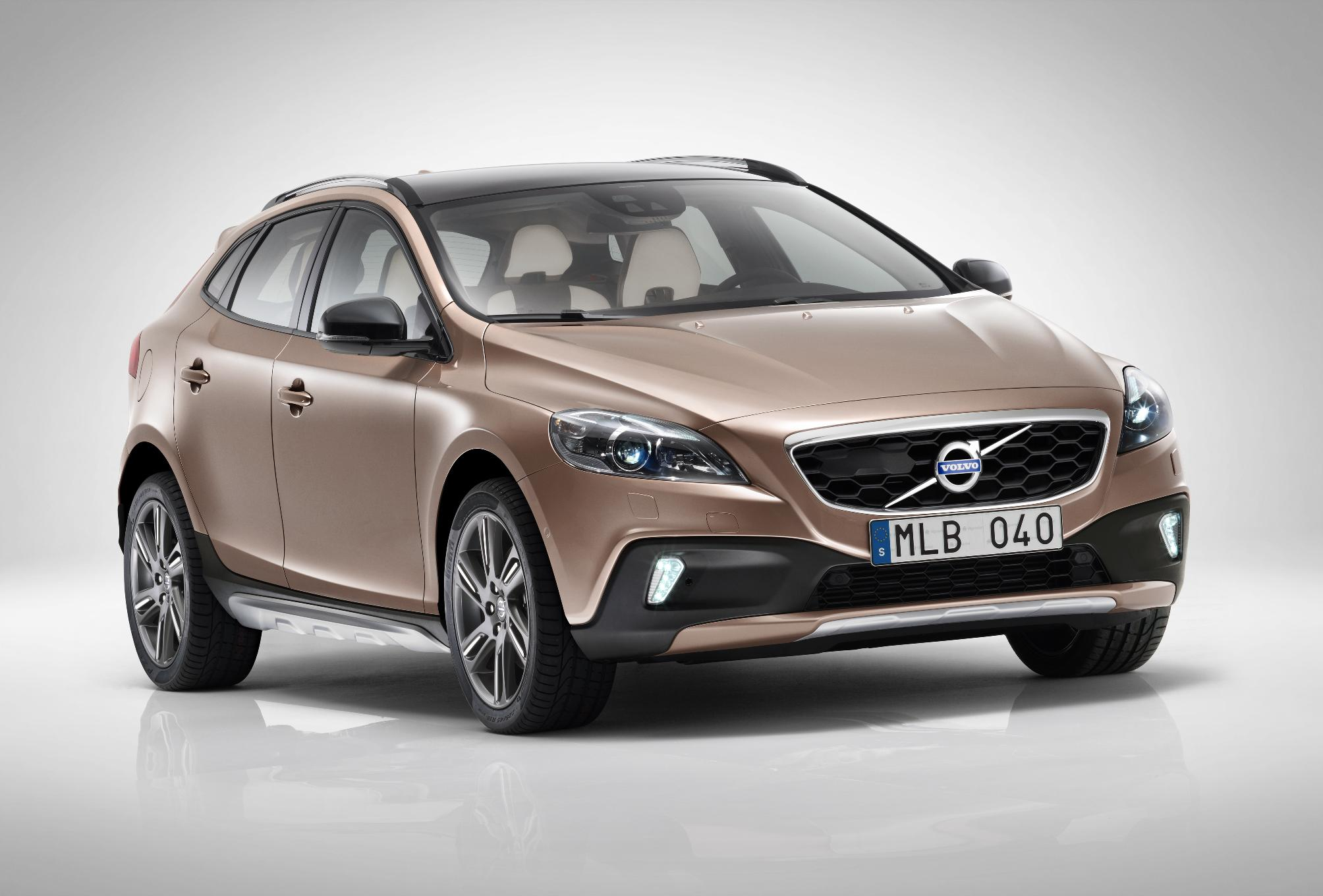 volvo v40 cross country india price review images volvo cars. Black Bedroom Furniture Sets. Home Design Ideas