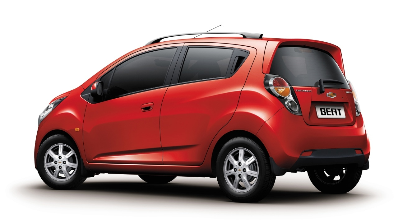 chevrolet beat petrol ls price in india features car