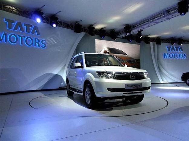 Tata Motors launches Safari Storme at Rs 9.95 lakh
