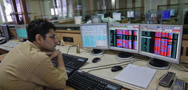 Sensex Edges Lower amid FII Selloff; Infosys Gains
