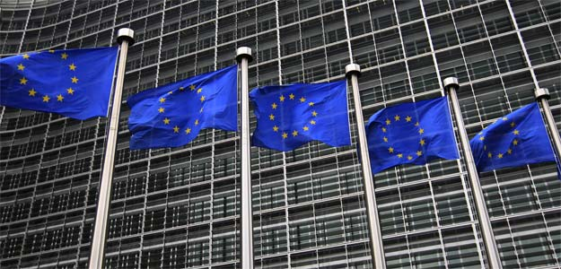 EU says euro zone economy to shrink again in 2013