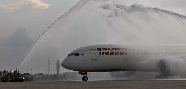 Air India May Get Expert Panel to Improve Performance