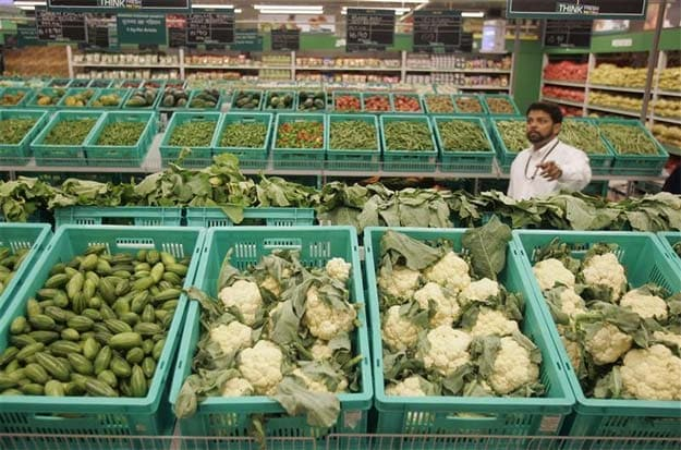 Wholesale inflation rises to 6.84% in February but rate cut expected