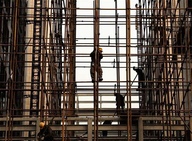 India's GDP growth in Q2 seen improving marginally