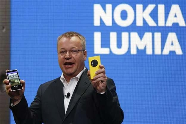 Nokia CEO Stephen Elop unveils the Nokia 1020.