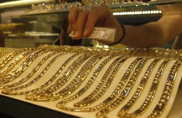 Gold Price Rises by Rs 135 on Global Cues