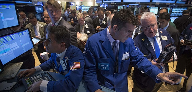 Wall Street Ends Flat, Oil Down as China Growth Worries Fester