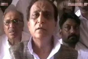 BJP Ke Chunaav Kaaryaalaya Ki Tarah Kaam Kar Raha Hai Chunaav Aayog  Aajam Khan