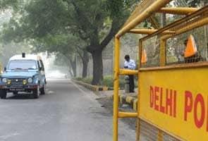 Delhi Ke Ek Poore Thaane Ka Hua Tabaadala
