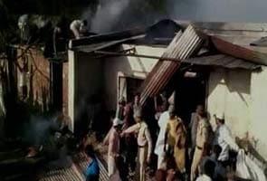 Pataakha Kaarkhaane Mein Aag Se Pandrah Majadooron Ki Maut