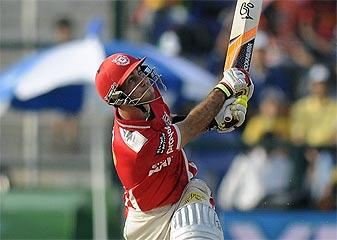 IPL-7  Aadhe Safar Tak Ballebaaji Mein Avval Rahe Glen Maxwell