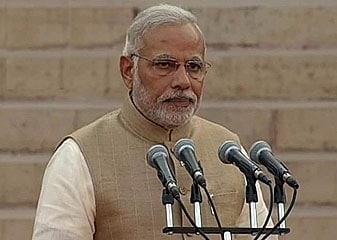 Narendra Modi Bane Desh Ke 15vein Pradhaanamantri, 45 Mantriyon Ne Bhi Li Pad Aur Gopaneeyata Ki Shapath