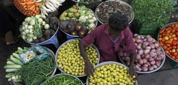 Retail Inflation Likely Edged Up for Fifth Month in December: Poll