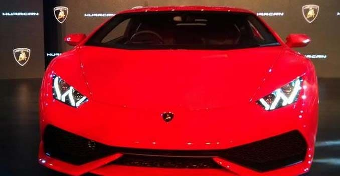 lamborghini huracan launched in india at a price of rs 3. Black Bedroom Furniture Sets. Home Design Ideas