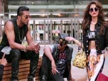 Yo Yo Honey Singh Chases Urvashi Rautela For a <i>Love Dose</i>