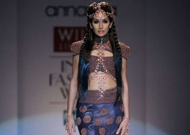 Monica Dogra's Bold Statement at Wills India Fashion Week