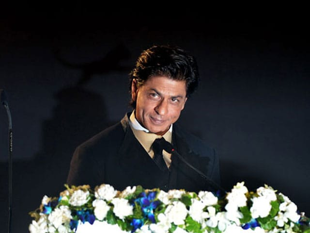 Shah Rukh Khan Wins Hearts With Bengali Speech at Kolkata Film Festival