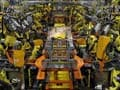 US Factory Activity Back at 3-1/2-Year High, Auto Sales Rise