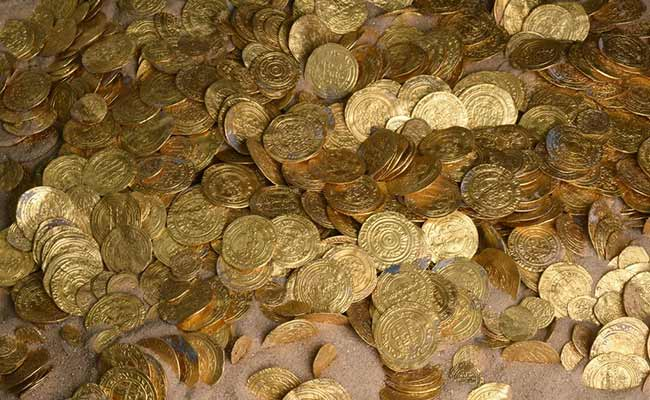 913 Gold Coins Found In A Piano Declared Treasure In UK