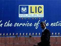LIC's Market Share Slips Below 70% in FY15