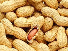 Eating Peanuts with Your Meals May Reduce Risk of Heart Diseases