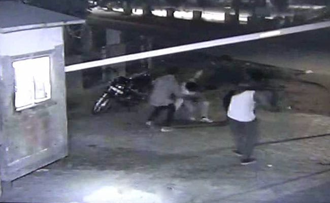 Security Guard of Rohtak Mall Beaten to Death With Sticks, Killers Caught on CCTV