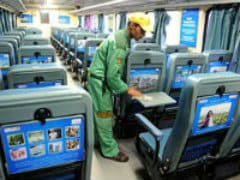 Railways Starts Optional Catering Scheme In Two Trains