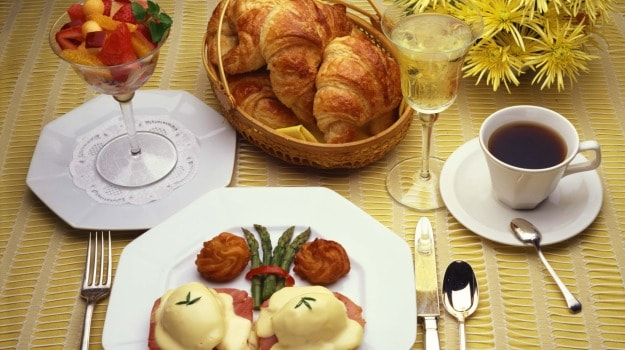 6 Ways to Plan the Perfect Brunch at Home