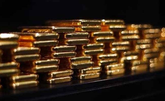 1 Kg Gold Seized From Private Airlines Flight in Kolkata