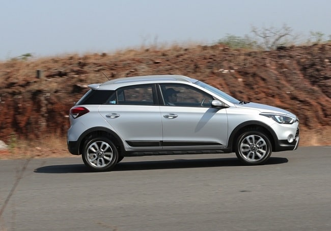 Hyundai i20 Active Review side profile