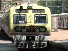 RTI Reveals Increase in Deaths Due to Fall From Overcrowded Local Trains