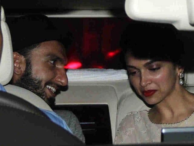 This Picture of Deepika Padukone and Ranveer Singh Makes us Happy