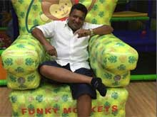 Sanjay Gupta Takes Break From Jazbaa Shoot for Son's Birthday
