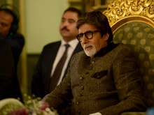 Amitabh Bachchan Visits Pyramids in Egypt, Promises to Bring Family