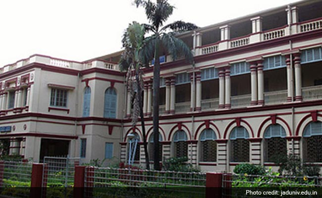 Jadavpur University Vice-Chancellor Gherao Continues For Second Day