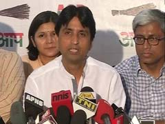 AAP's Kumar Vishwas Didn't Meet This Women's Rights Group. But He Triggered a Fight.