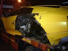 In Delhi, Lamborghini Rams Into Road Divider, Driver Flees