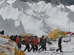 Earthquake-Triggered Avalanche Kills Nepalese Guide Scaling Everest