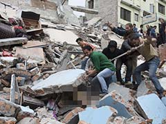 Nepal Earthquake: Woman Pulled Out Alive 50 Hours After Being Buried Under Rubble