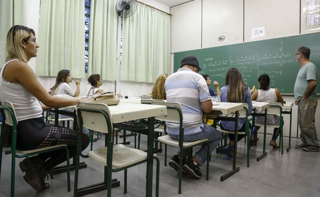 Back to School for Sao Paulo Transsexuals