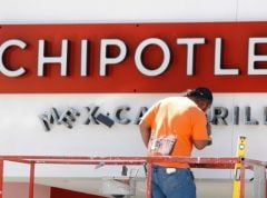 Makers of Chipotle's Burrito Bowls Tell Fast Food Chain to 'Put People Over Pigs'