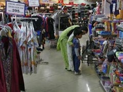 'India Consumer Confidence Rises for First Time Since August'