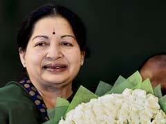 Jayalalithaa Makes Rare Public Appearance to Honour Nadar Community Leader