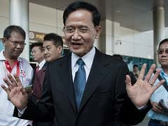 Former Thai PM Somchai Wongsawat Pleads Not Guilty to 2008 Protest Crackdown