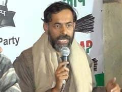 Yogendra Yadav Slams Arvind Kejriwal for Backing Nitish Kumar, Lalu Yadav