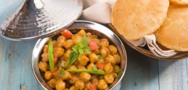 Where Do You Get the Best Chole Bhature in Delhi?