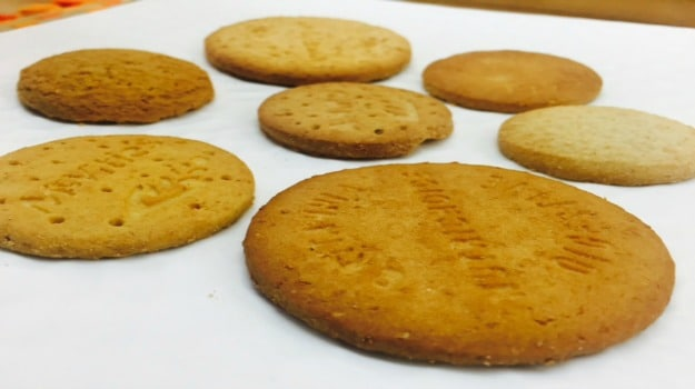 digestive-biscuit-taste-test-1