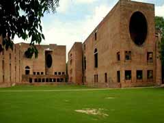IIM-Ahmedabad Hikes Post-Graduate Course Fee By Rs.1 Lakh