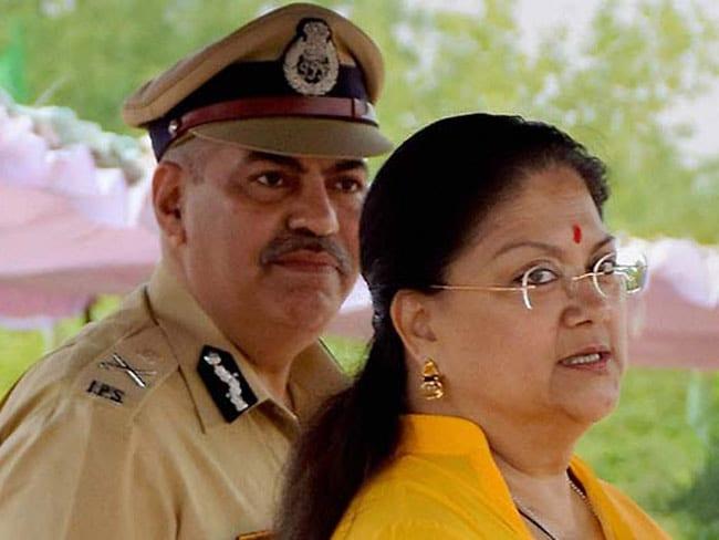 वसुंधरा राजे दिल्ली में, ललित मोदी विवाद पर शीर्ष नेतृत्व से बातचीत संभव