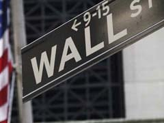 Dow Slumps as Wal-Mart Hammered After Weak Forecast